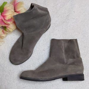 Eileen Fisher Grey Suede Pull On Booties Size 6